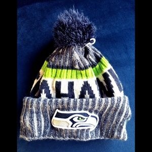 NFL Football Seahawks Puff Ball Beenie  Hat
